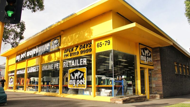 Exterior view of My Pet Warehouse store